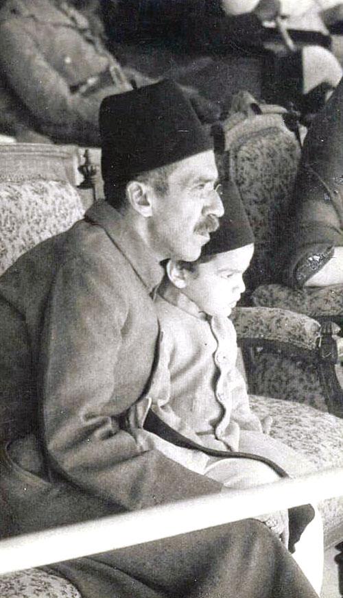 Nizam VII with his grandson Sahebzada Mukarram Jah, circa. 1930 ...